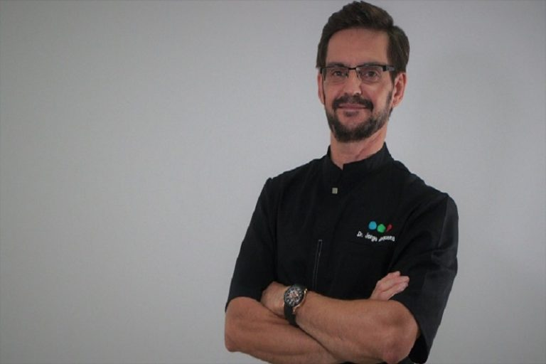 Doctor Jorge Requena